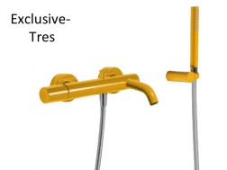 Single lever bath and shower mixer; Anti-limescale hand shower with directable support. Shower hose satin: amber finish