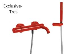 Single lever bath and shower mixer; Anti-limescale hand shower with directable support. Shower hose satin red finish