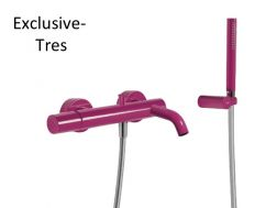 Single lever bath and shower mixer; Anti-limescale hand shower with directable support. Shower hose satin violet finish