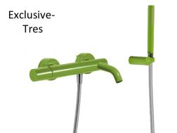 Single lever bath and shower mixer; Anti-limescale hand shower with directable support. Shower hose satin: green finish